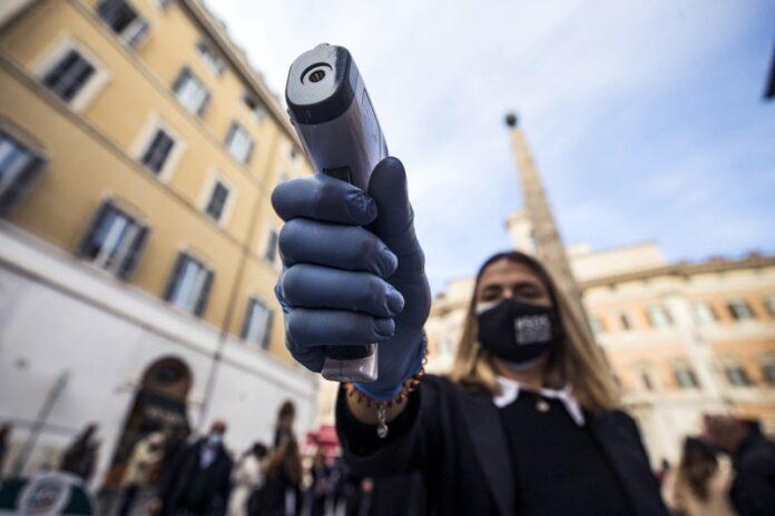 протест Италия коронавирус