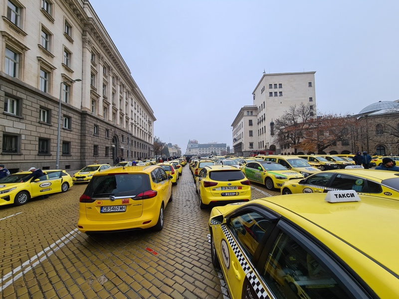 протест таксита