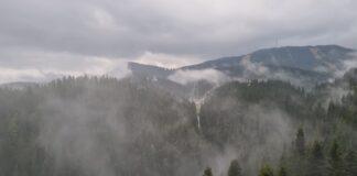 облачно мъгла