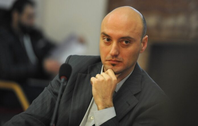 Доц. Атанас Славов