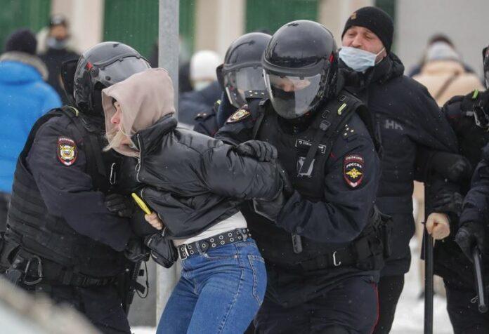 Русия протести полицията