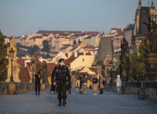 Чехия забранява излизането