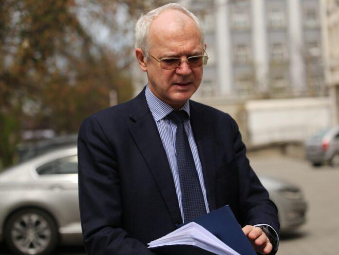 Васил Велев бърза за внесе плана за възстановяване на България.