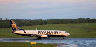Самолет на Райънеър