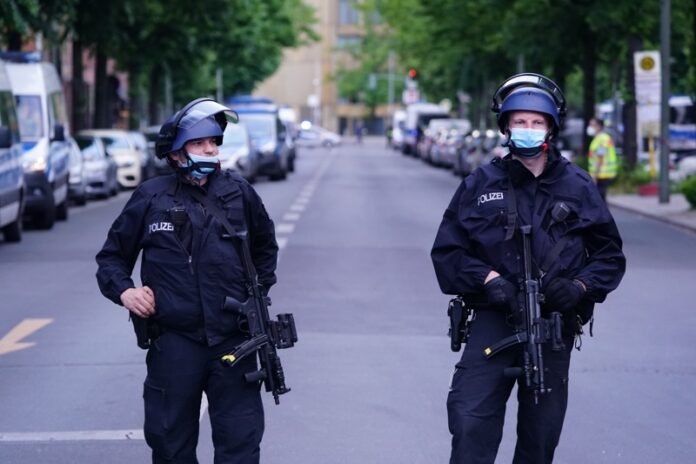 Германия полиция