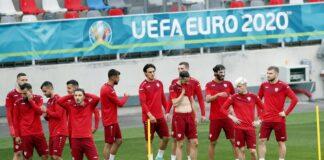 """Играчите от Северна Македония присъстват на тренировка на стадион """"Стяуа"""" в Букурещ, Румъния"""