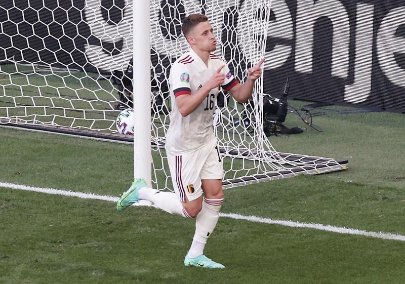Азар празнува, след като отбеляза изравнителното 1-1 по време на футболния мач от група В между Дания и Белгия в Копенхаген, Дания, 17 юни 2021 г.