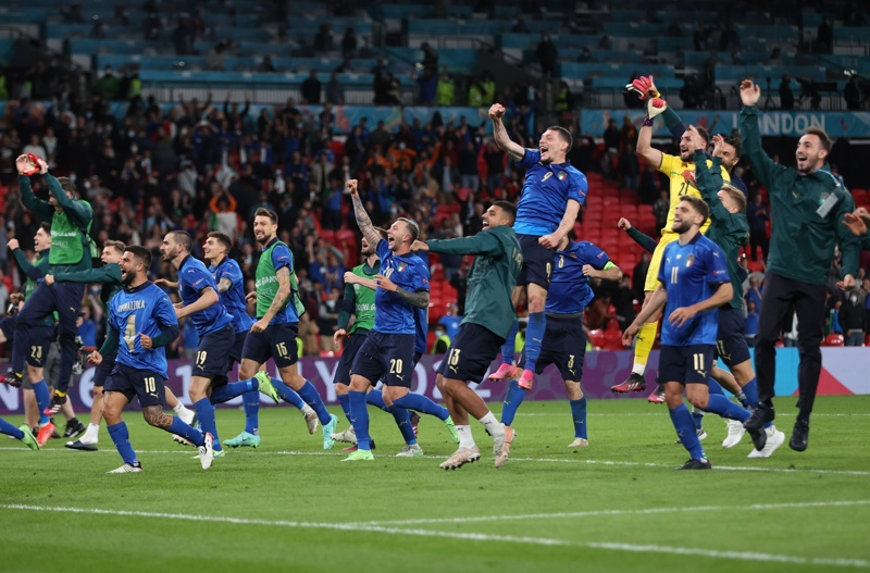 Играчите на Италия след като спечелиха полуфинала на ЕВРО 2020 между Италия и Испания в Лондон, Великобритания, 06 юли 2021г.