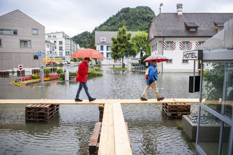 Площад Stansstad в кантон Нидвалден в Швейцария, 15 юли 2021 г.