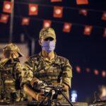Войници в Тунис, след като президентът Каис Саид освободи правителството и замрази парламента, Тунис, 25 юли 2021 г.