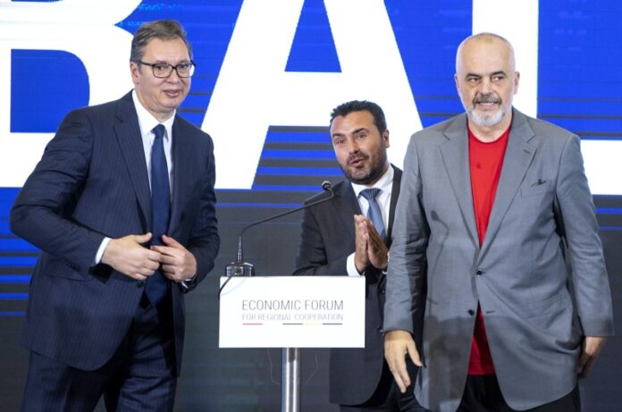 На снимката: Александър Вучич, Зоран Заев и Еди Рама