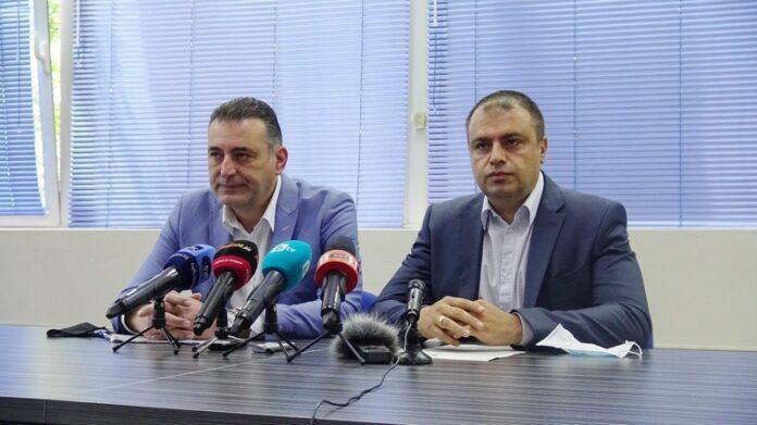 На снимката; Румен Попов, окръжен прокурор на Пловдив и ст. комисар Йордан Рогачев,