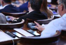 депутати гласуване, бюджета