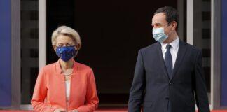 На снимката: Председателят на ЕК Урсула фон дер Лайен и премиерът на Косово Албин Курти